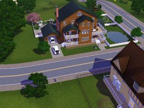 Sims 3 — Bachelor Remodel by Mayet514 by mayet514 — This is a remodel of the Bachelor's house. It features 3 covered