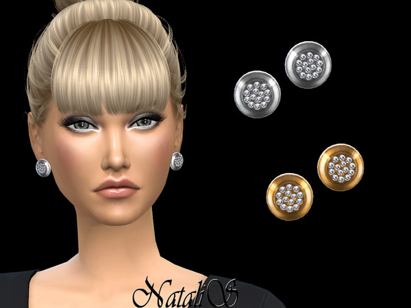 NataliS_Round stud earrings with crystals